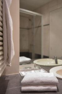 salle de bain hôtel gradlon