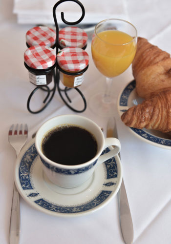 petit déjeuner hôtel gradlon